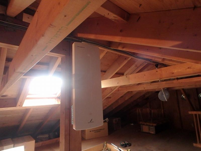 屋根裏アンテナ工事