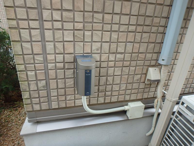 プリウスPHV充電コンセント