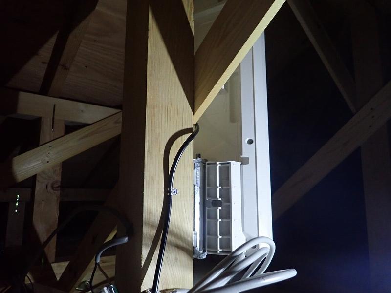 屋根裏アンテナ